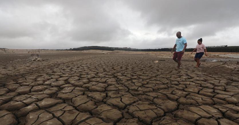 Vasca Da Bagno Quanti Litri : Città del capo l maggio sarà u cday zerou d rubinetti chiusi a